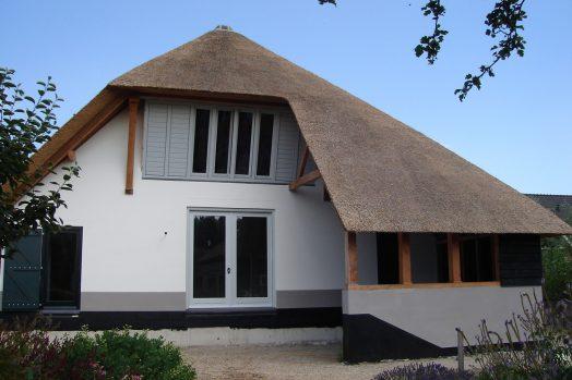 Renovatie woonboerderij in Hellouw